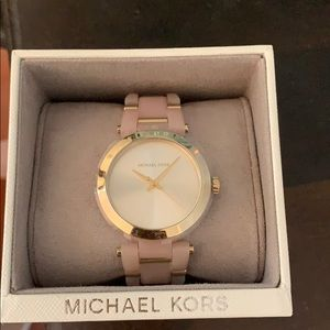 Michael Kors Women's Watch- Rose Gold